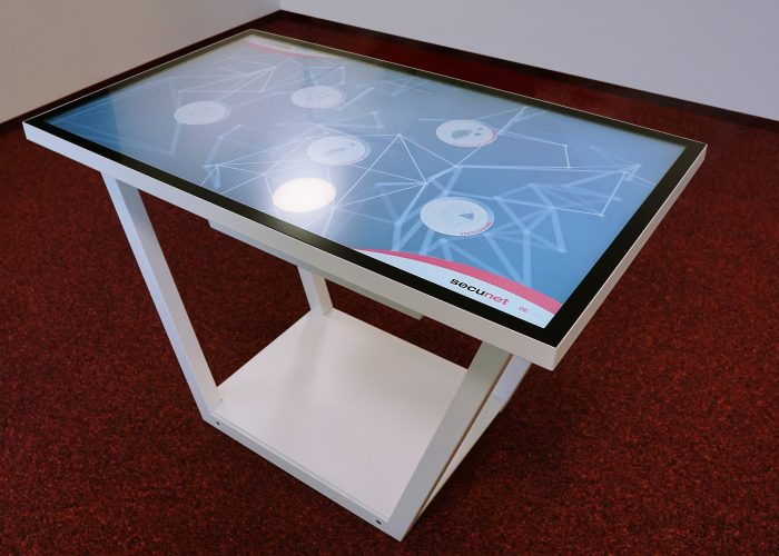 Multitouch table mobile metal frame