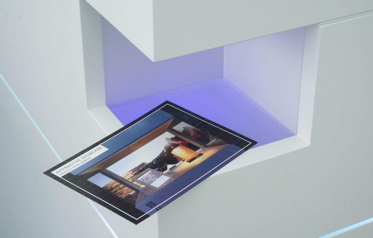 Multitouch-Scanner-Tisch erkennt Postkarte optisch