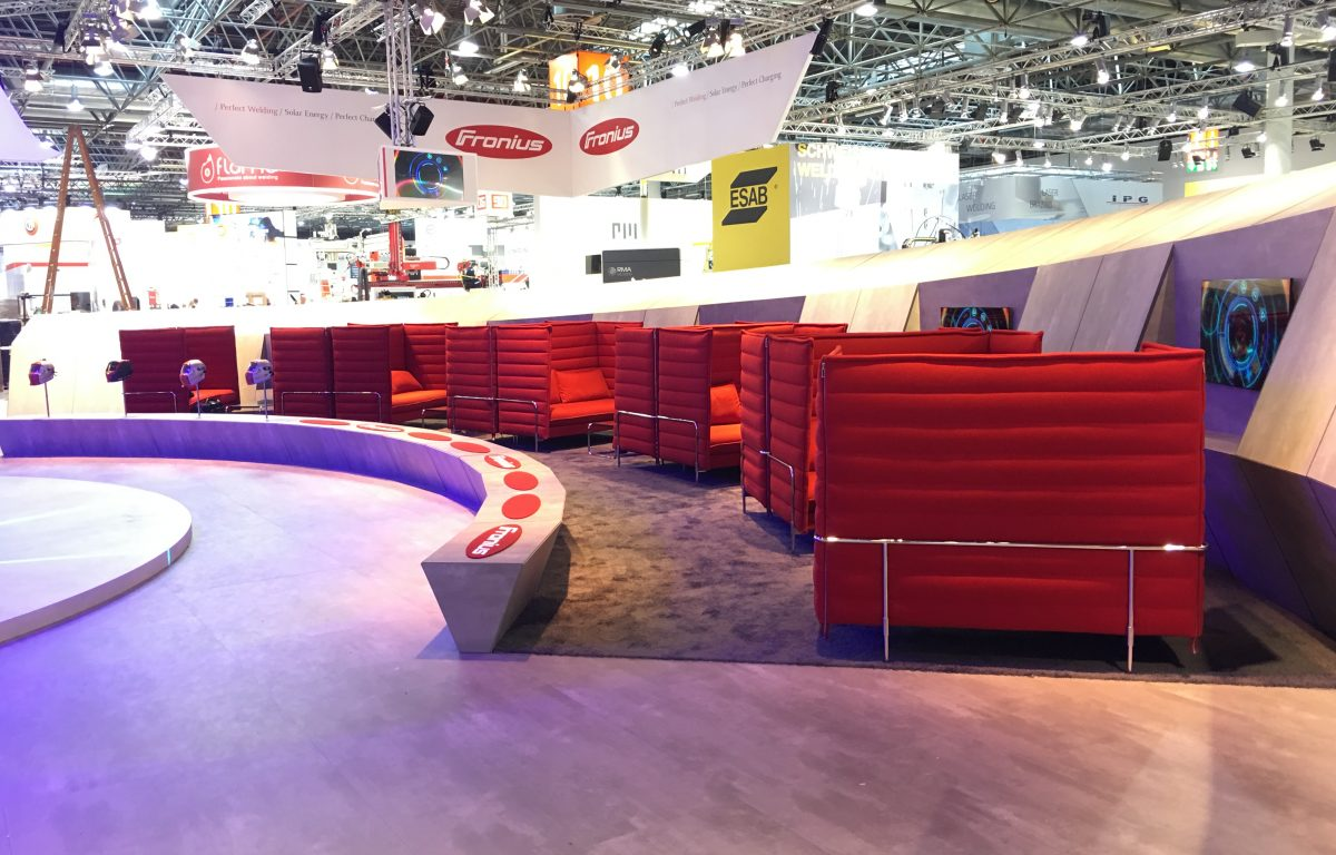 Workstations at the Fronius interactive trade fair stand