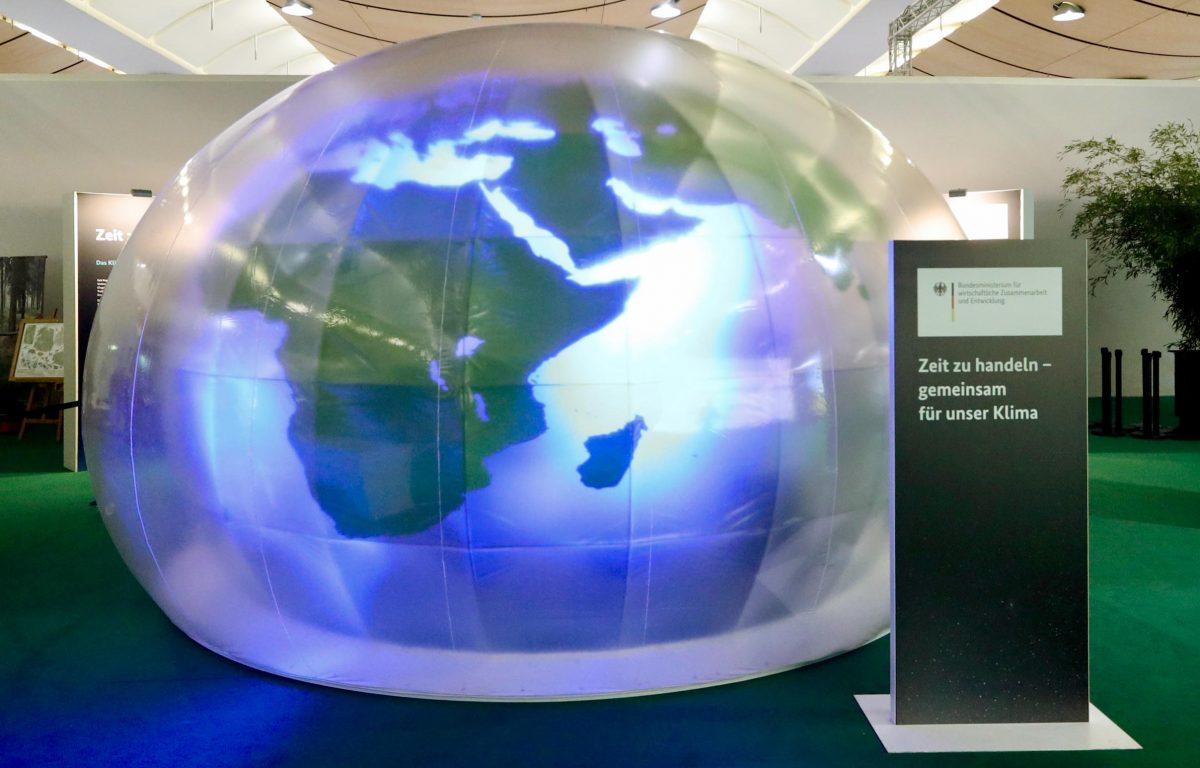Den Klimawandel eindrücklich am eigenen Leib erleben - in der 360-Grad Klimakuppel