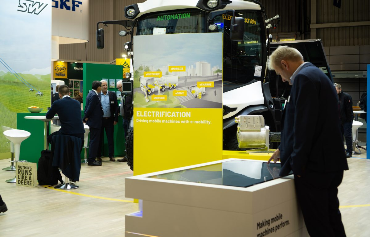 Agritechnica 2019 - Interactive sales stations at the STW stand