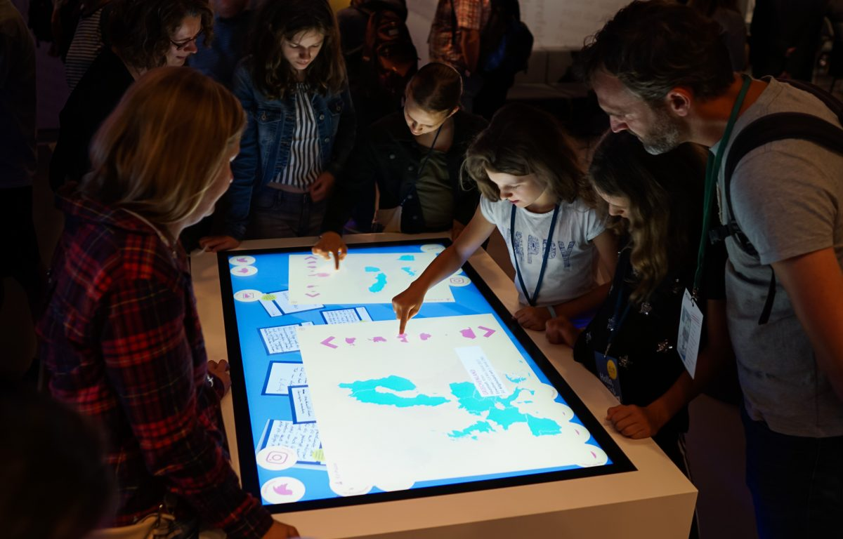 Customized multitouch software inspires visitors