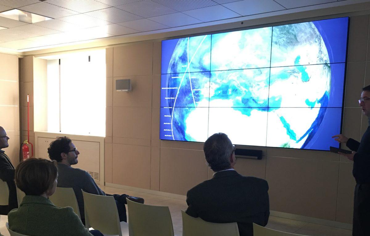 ESA Multitouch Wall Presentation