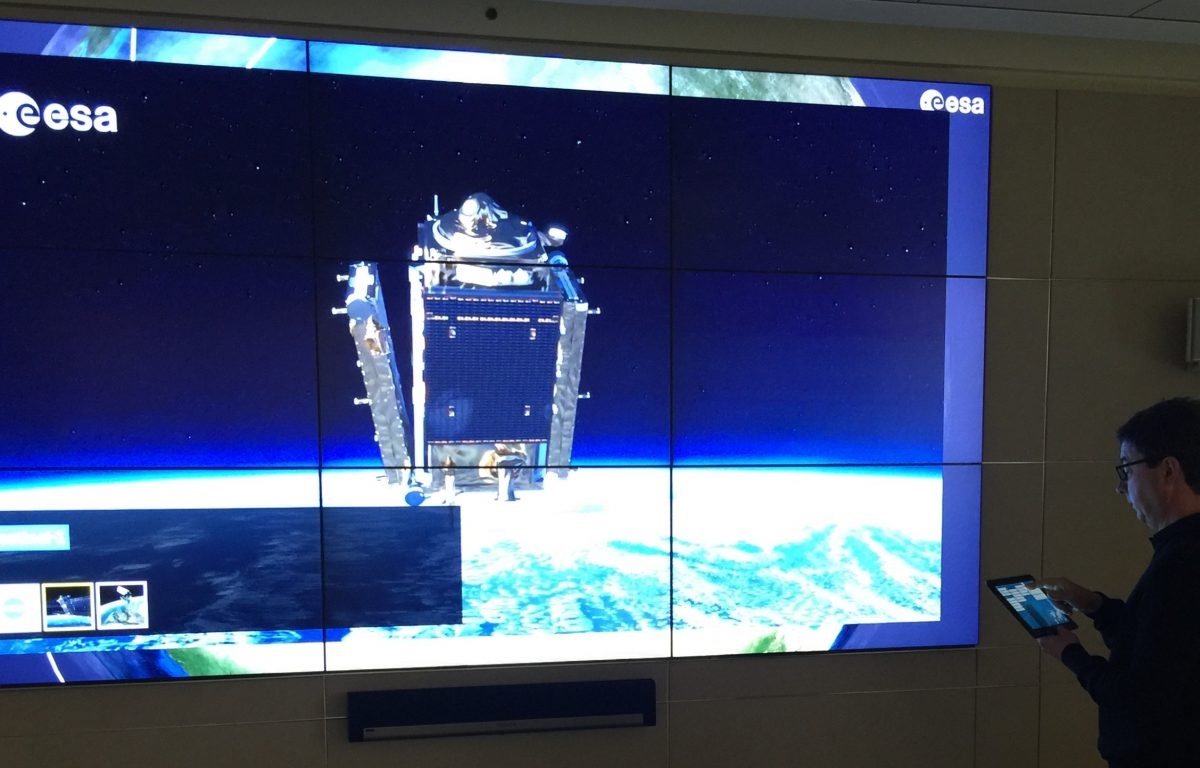 ESA Multitouch Wall Tablet Presentation 2