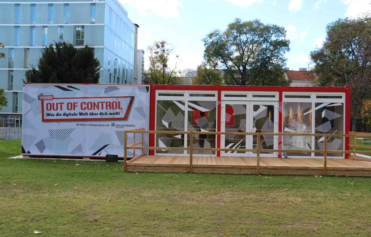 Container in Vienna with interactive stations on social media, big data, password security