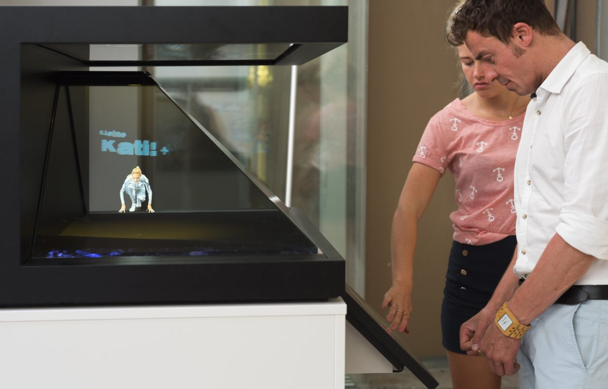 Interactive 3D hologram showcase in the Liwest store of the future