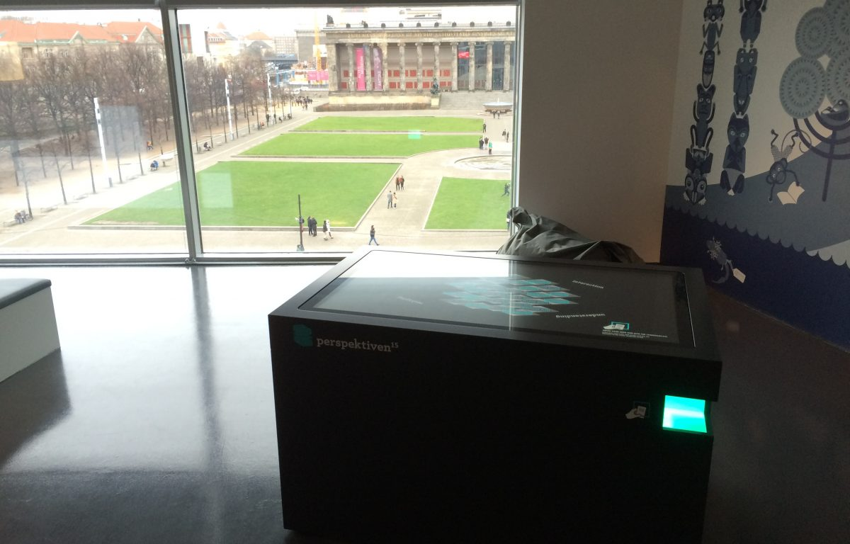 Multitouch scanner table at the Humboldt Forum media conference