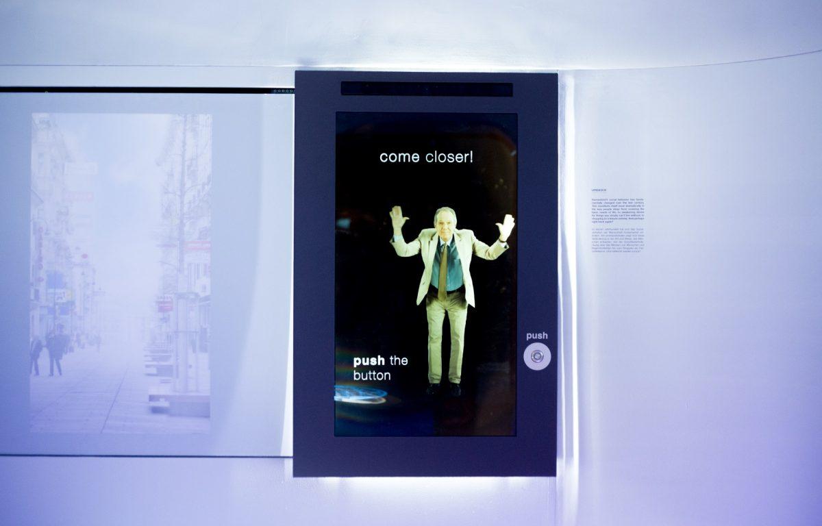 Screen in der interaktiven Unternehmensausstellung von umdasch