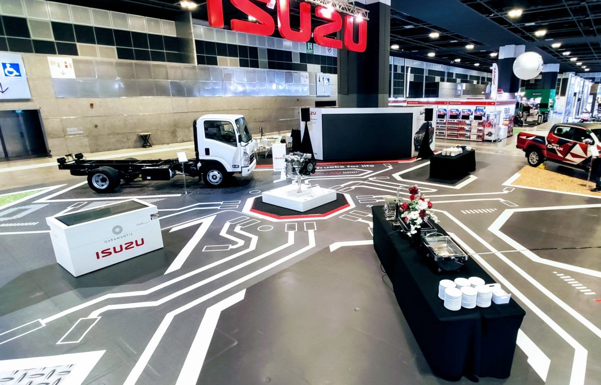 Interaktiver Messestand mit selbst gestalteten 3D-Trucks von Isuzu