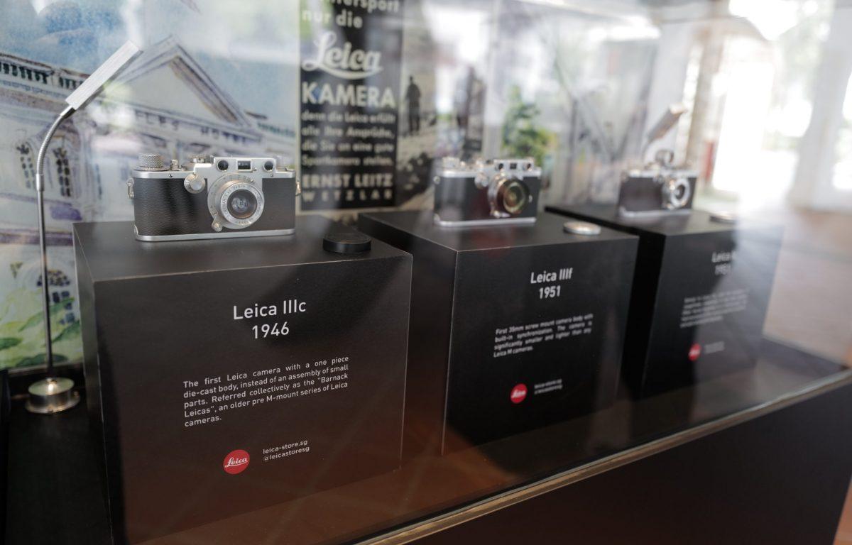 Historische Kamera-Modelle in den PoS von Leica
