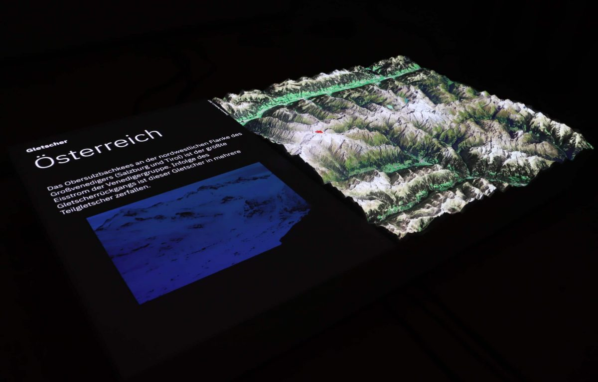 interaktive Station zeigt schmelzende Gletscher
